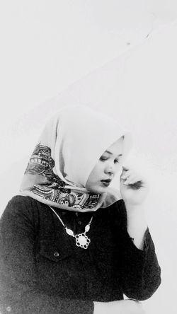 Masih menunggu waktu dimana akan ada hari yang dinanti semua wanita yang telah di khitbah, semoga Allah mempercepat dan melancarkan apa yang telah direncanakan, siap menuju pacaran yg halal,Amin Allohuma Amin 🙏🏻🙏🏻🙏🏻