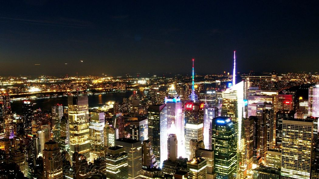Embrace Urban Life City Night Urban Skyline Travel Destinations Illuminated Architecture New York City Citylights Cityneversleeps The Architect - 2017 EyeEm Awards