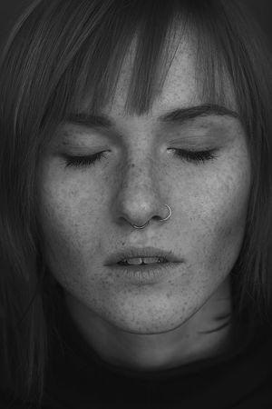 Young Women Portrait Beautiful Woman Beauty Human Face Headshot Eyes Closed  Studio Shot Beautiful People Females