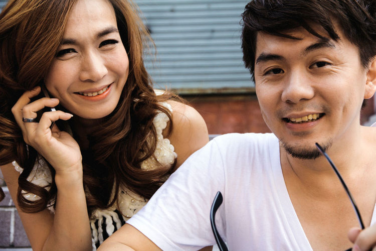 Dating young couple in love Dating Couple Couple - Relationship Couple In Love Love Boyfriend Girlfriend Boyfriend && Girlfriend ♡♥ Happiness Happy People Asian  Asian People Man Girl Women Guy ASIA Thailand Thai Thai People Black Hair Front View Mobile Phone Casual Clothing Wireless Technology Two People Young Adult Communication Young Women Smiling Smiley Face Smile Adult Portrait Emotion Togetherness Headshot Young Men Listening Technology