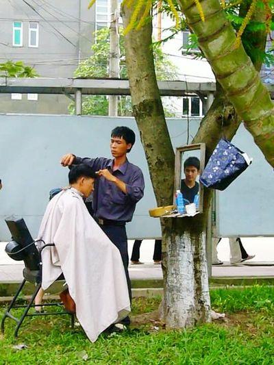 Taking Photos Everyday Hanoi, Vietnam Daily Life Street Photography Feel The Journey Travel Photography Randomshot Haircut Small Business Heroes #FREIHEITBERLIN The Street Photographer - 2018 EyeEm Awards EyeEmNewHere