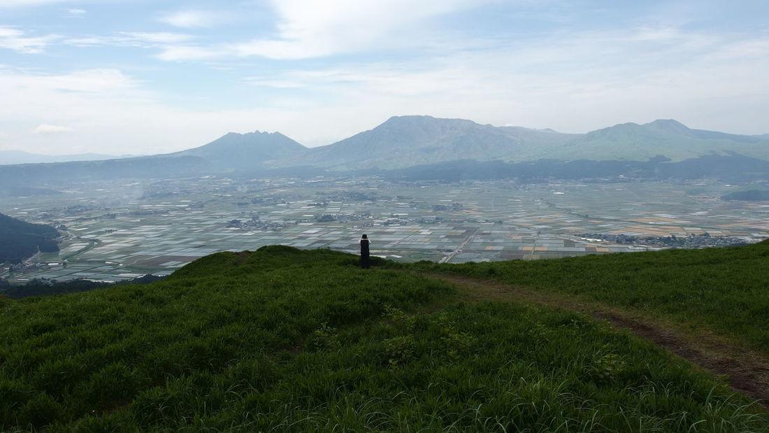 Japan 熊本県 阿蘇山 Water Mountain Sea Full Length Standing Men Beach Tea Crop Sky Grass