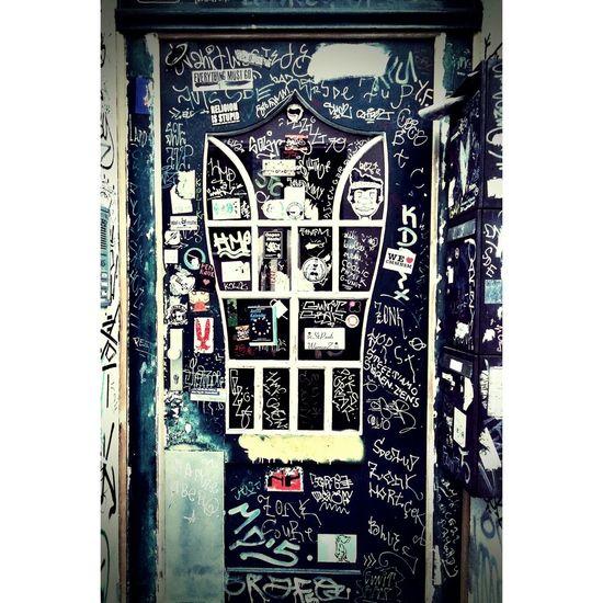 Crazy Tagged Door in Bremen Viertel Urban UrbanART Urban Tagging Tagging Doors