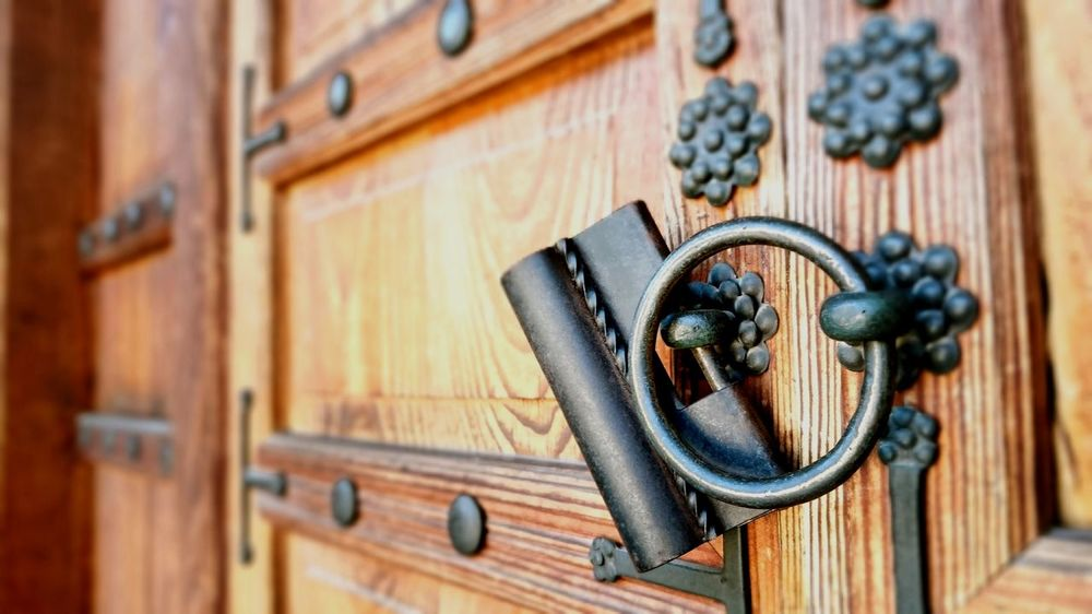 Door Wood - Material Outdoors Door Knocker Old-fashioned Close-up Day No People Full Frame Building Exterior Door Door Handle Korea Seoul Summer Architecture Tradition Architectural Column Cultures Built Structure