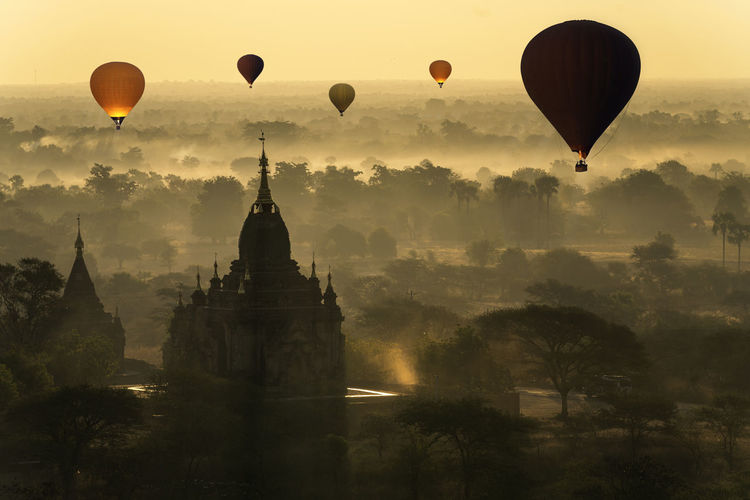 Bagan is an ancient with many pagoda of historic buddhist temples and stupas.