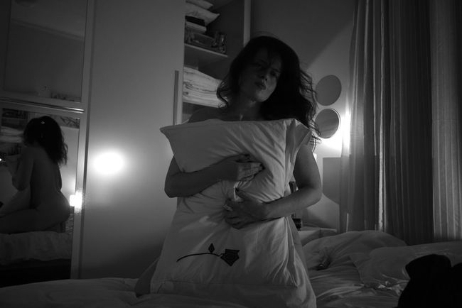 Pillow Woman Power Bedroom Woman In Bed Woman Of EyeEm Woman Portrait Woman Who Inspire You Womanportrait