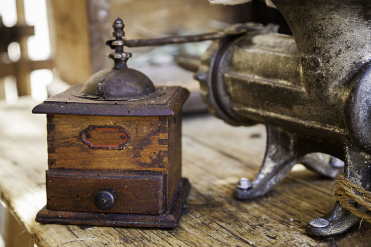 Metal Retro Styled Indoors  Antique Old Wood - Material No People Focus On Foreground Close-up Analog Still Life Table Communication Vintage Rusty Suitcase Single Object Selective Focus Day