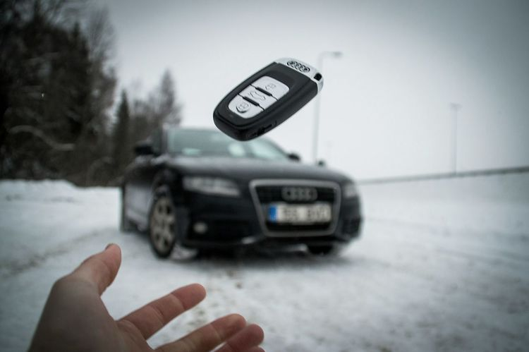 Outdoors Audi Moodygrams Audi A4 Photography Photooftheday Human Body Part Transportation Human Hand Mode Of Transport Driving One Person Close-up