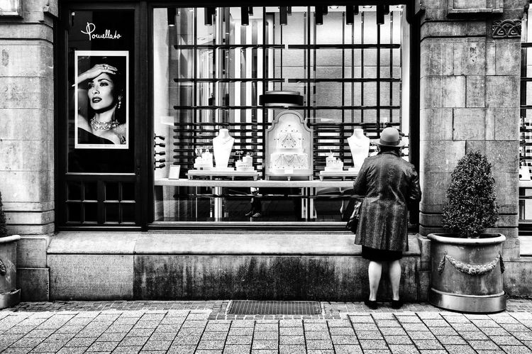 Window shopping Streetphotography Leica Luxembourg Black And White Photography First Eyeem Photo Spako