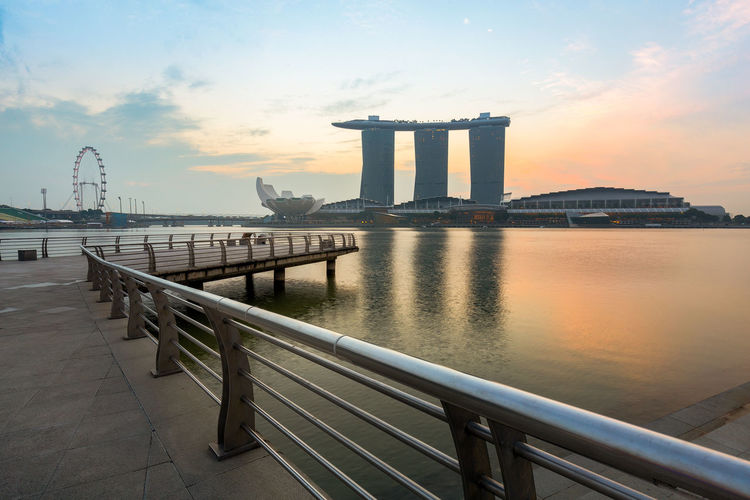 Architecture Marina Bay Sands Reflection Singapore Singapore Flyer Water Cityscapes_collection Sunrise_Collection EyeEm Gallery EyeEm Best Shots - Nature Highquality Landmark Merlion Park EyeEm