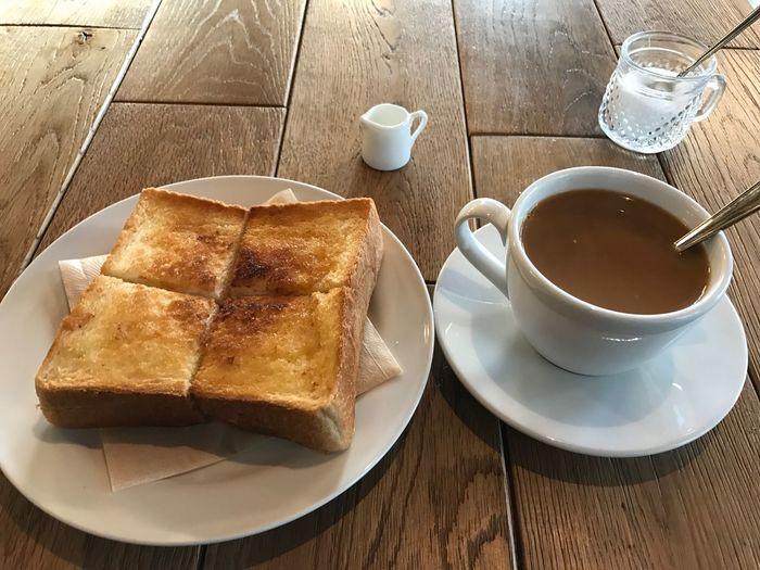 トーストとブレンドコーヒー