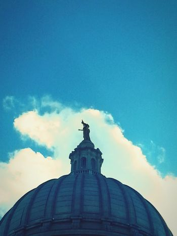 Taking Photos Sky Sculpture Madison Wisconsin State Capital building. Aneye4theshot Photography