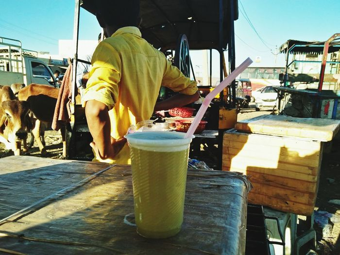 sugarcane juice Sugarcanejuice Sugarcane Juice Sugarcane Juice Seller In Roadside Only Men One Man Only Adults Only One Person People Day Men Outdoors Protective Workwear Occupational Safety And Health Manual Worker Freshness Adult Real People Working This Is Masculinity EyeEmNewHere