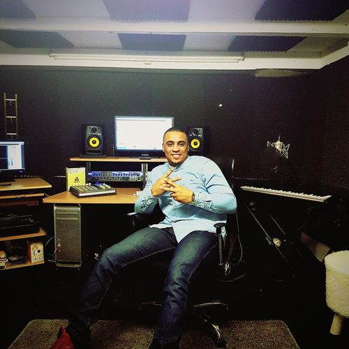 Music One Person Business Finance And Industry Arts Culture And Entertainment People Sitting Zwolle Netherlands Full Length Day Studio Shot Studiophotography Hiphopmusic Piano BEATS Producer Producers Bands Logic Vocals Vocalist Rapper Rap&hiphop