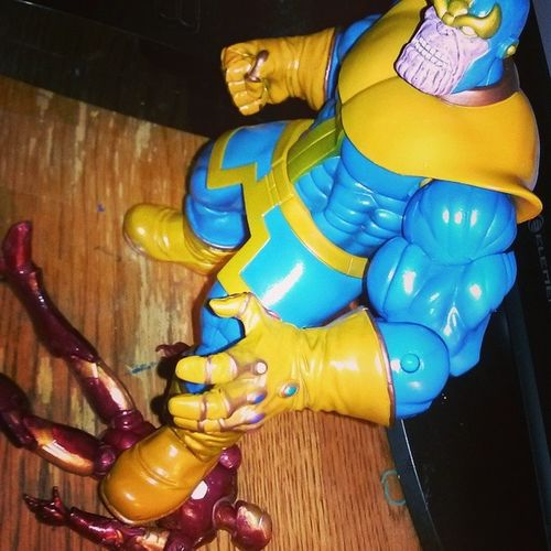 Just Having fun posing Thanos,Avengers,iron.man needs help!! Avengers Avengers3 Ironman Thanos Infinitygaunlet Marvelselect Figures Randompic