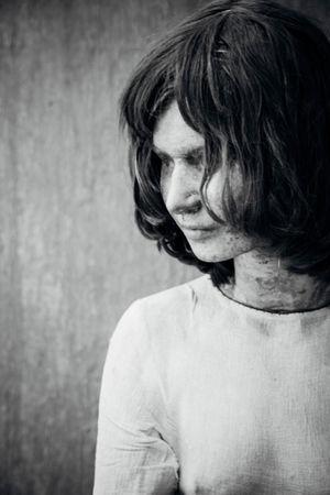 Art ArtWork Human Representation Kunsten Kurt Trampedach Looking Down Manequin Profile View Serious