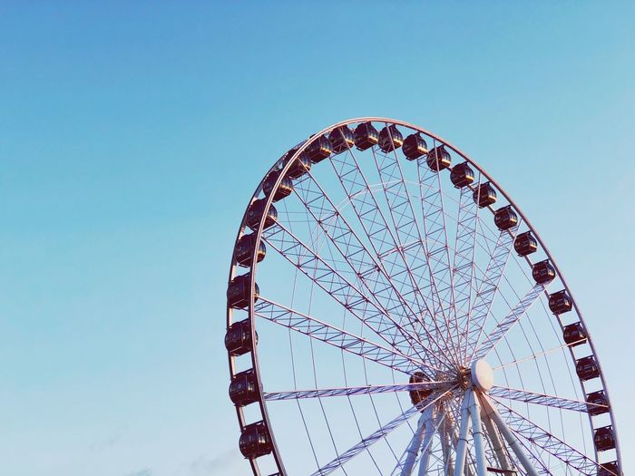 EyeEm Selects Amusement Park Amusement Park Ride Ferris Wheel Sky Clear Sky Arts Culture And Entertainment Shape Geometric Shape No People Nature Low Angle View Circle Blue Day Copy Space Outdoors Large Fairground Pattern Semi-circle 10