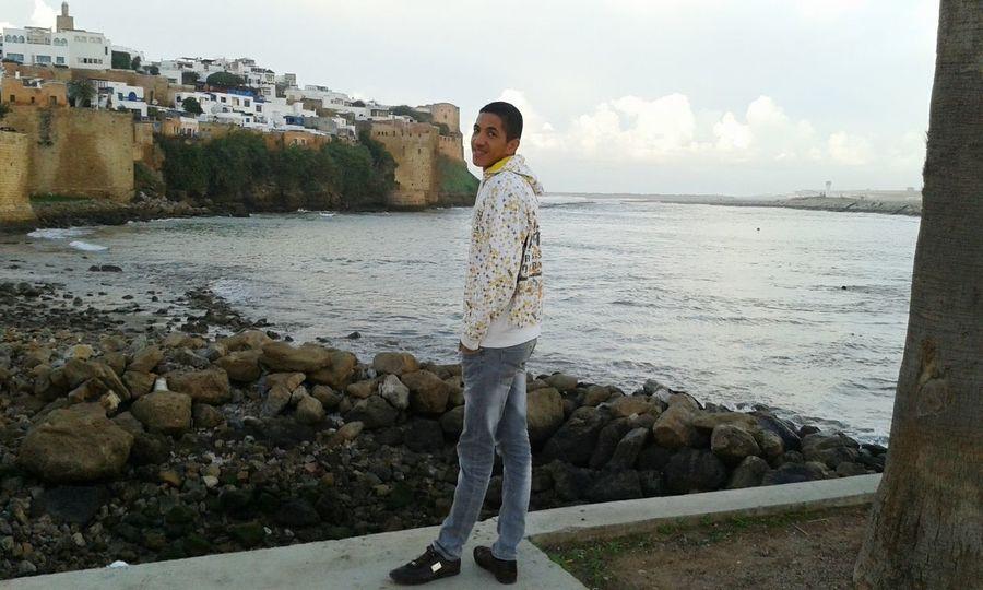 C moi Dans un voyage à rabat (place Oudaya)