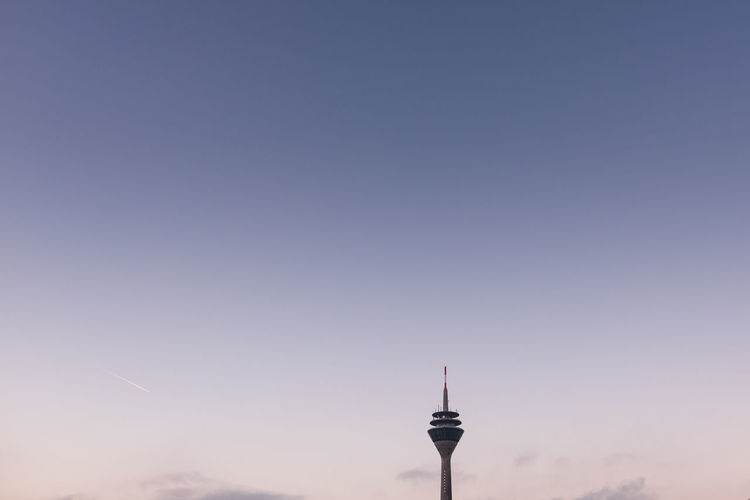 Morning-Minimalism (3): the Rhine Tower, a telecommunications tower in Duesseldorf, Germany. Architecture Architecture Blue Hour Communication Deutschland Düsseldorf Exploring Fernsehturm Germany Landscape Landscape Photography Minimal Minimalism Minimalism Photography Minimalist Architecture Minimalobsession Morning Morning Light No People Outdoors Rhein Rheinufer Sky Sunrise Travel Minimalist Architecture Colour Your Horizn