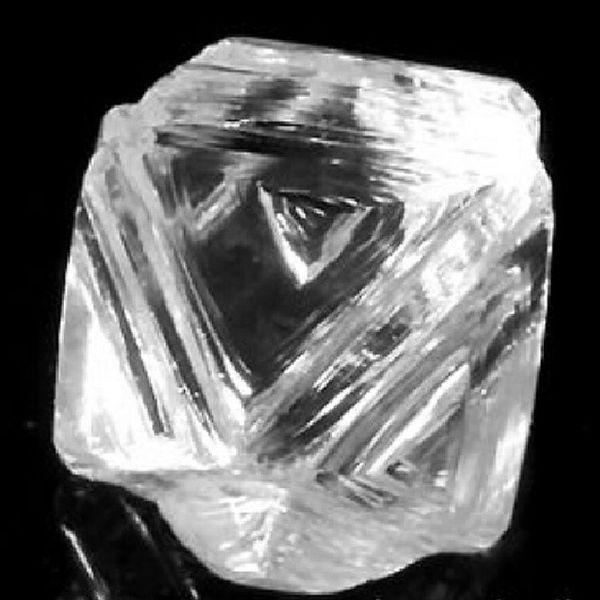 Rough Diamond my Love and Phd subject also! Elmas Hamelmas Nature Amazing Awesome Geologist Gemology Gemologist Nature Trigon Natural Octahedron Blogger