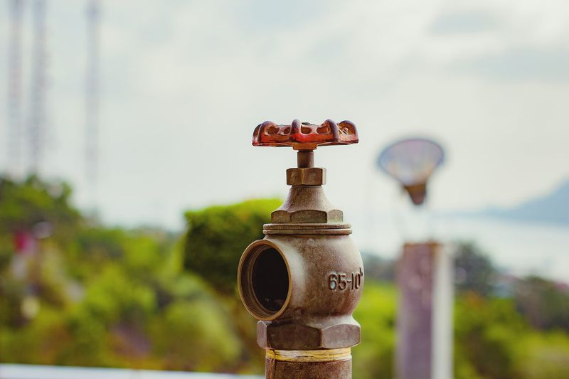 kran air di menara siger Lampung, Oktober 18 Sky Close-up Fire Hydrant Emergencies And Disasters Fire Hose Firefighter Hose Forest Fire Fire Extinguisher Extinguishing Fire Engine Emergency Equipment Coin-operated Binoculars Locked Chainlink Fence Love Lock Padlock Valve Barbed Wire Coin Operated Latch Rusty