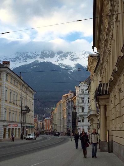 Mountain Backdrop Outdoors City Travel Destinations Crisp Air Diminishing Perspective LeisureTime Walking Around The City  Refreshing Mind And Soul