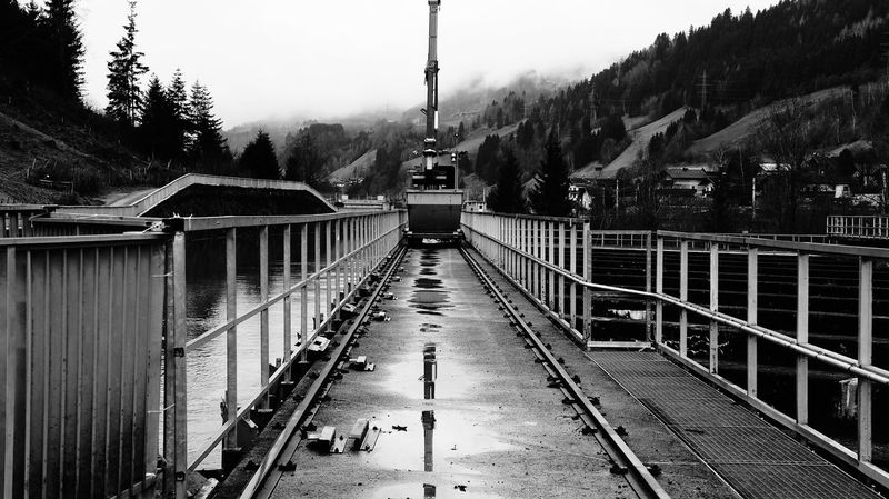 Österreich Railing Outdoors Cloud - Sky Black And White Architecture Built Structure No People Shadow Day Crane - Construction Machinery Architectures Water Urban Exploration