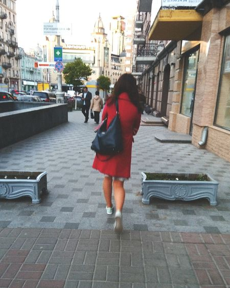 Red coat!Up Close Street Photography Red Coat Streetphotography City Life Streetphoto Street City Streets  Street Photo City Street Photography In City Redcoat Street Life City Street Taking Photos Girl In Red The Street Photographer - 2016 EyeEm Awards