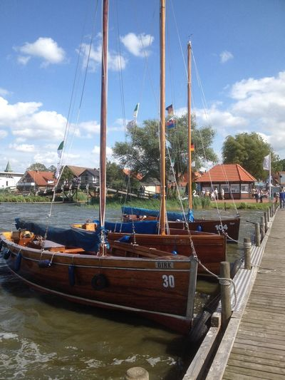 Steinhude-am-meer.de - Dein Meer-Foto Steinhude Boats Soaking Up The Sun