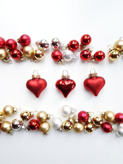 The Week on EyeEm Picoftheday Pictureoftheday Photooftheday White Background Red Luxury Beauty Gold Colored Gold Studio Shot Bauble Christmas Ornament Heart Shape Christmas Forming Decorating The Christmas Tree Christmas Decoration Collection Ruby