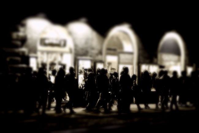 Adult Black And White Night Ombre Outdoors People Person Real People Roma Shopping Silhouettes Of People Strada Vetrine