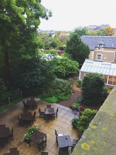 English garden Best Western Plus Branz Hotel Edinburgh, Scotland ,iPhone7plus