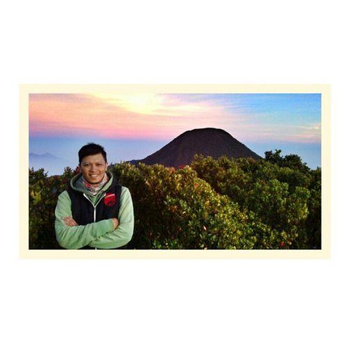 Tngp MtGede MtPangrango MtSalak latepost love Indonesia JawaBarat Sunda PhotoGrid cc: @dikiseptiadi