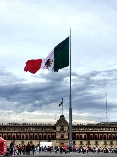 Cellphone Photography Photography Taking Photos Street Photography Enjoying Life Mexico Mexico City Ciudad De México Streetphotography Flag Bandera De Mexico Bandera Zócalo