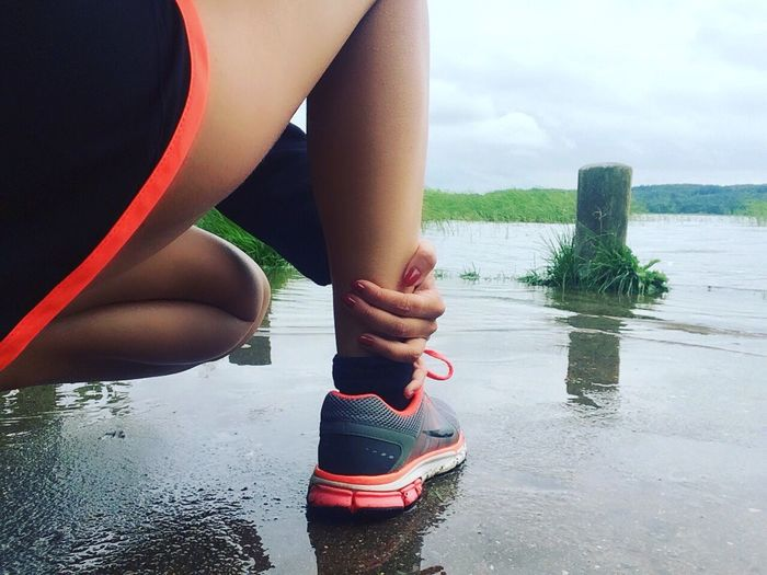 Low Section Person Standing Femininity Sky Human Limb Playing Limb Human Foot Water One Woman Only Practicing Day Getting Away From It All Cloud - Sky Run Running Nike Sport Just Do It Fit Healthy Freshness People And Places
