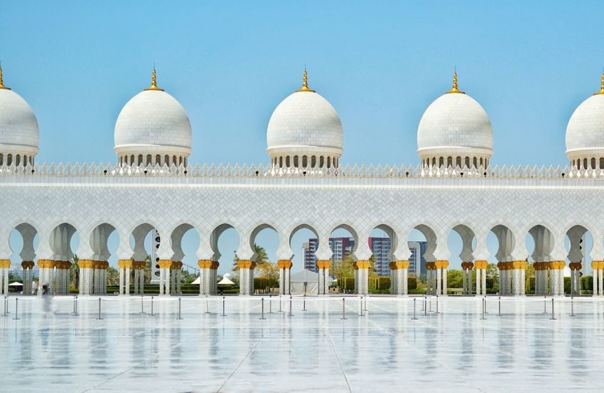 Shaikh Zayed Mosque Abudhabi Dubai Mosque Marble Structure White Marble Beuty Awsome Amzing Architecture Architecture_collection Masjid Gold Traveling Photography Perfect Straight Proportion Popular Photos Taking Photos Eyemphotography EyeEmBestPics Blue Sky Sunny Day