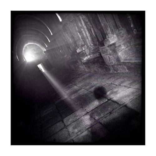 Buscando la luz... EyeEm Best Shots - Black + White Minimalist En Catedral De Tui.