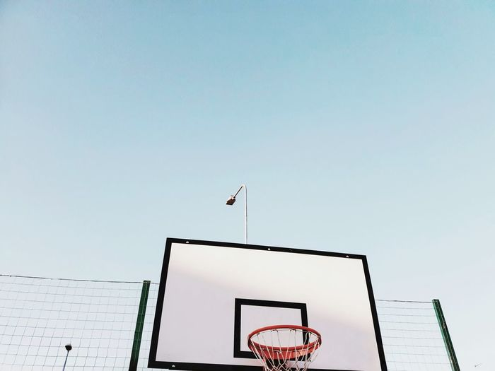 🏀🏀 Minimalism Sky Love The Graphic City Flying Sky Outdoors Day