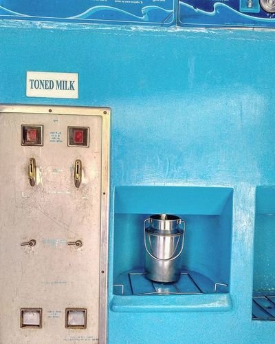 MotherDairy Delhi India Mumbai Pune Lucknow Gujarat Indiapictures Milk DelhiGram Indiagram Sodelhi Dilli Picoftheday Incredibleindia Patparganj Eastdelhi WhenInDelhi Lbbdelhi The_hatke