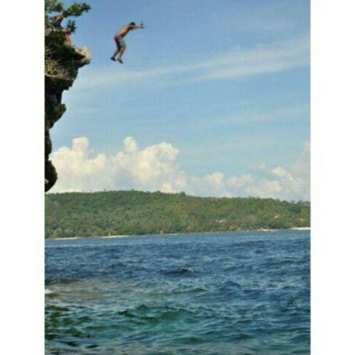 Jump off the cliff! I wanna do this again and again and again haha! Throwback Todolist