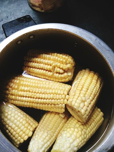Cooking milho indo para o fogo! Yamyyy!