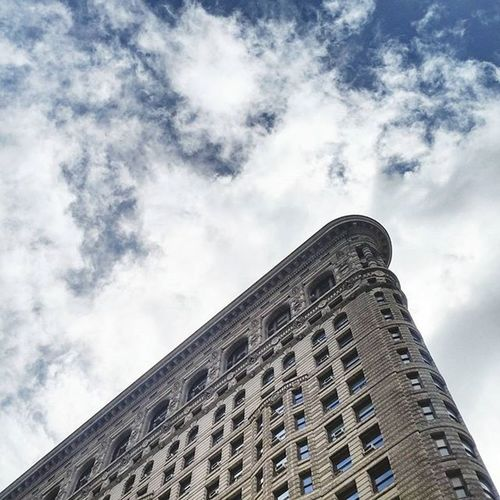 Hot Sunnyday Cloudporn Friday Summertime Flatironbuilding Flatironny Madisonsquarepark Fifthavenue Newyorkcitylife Manhattan Newyorkcity NYC Archilovers Architecturelovers Architecturephotography
