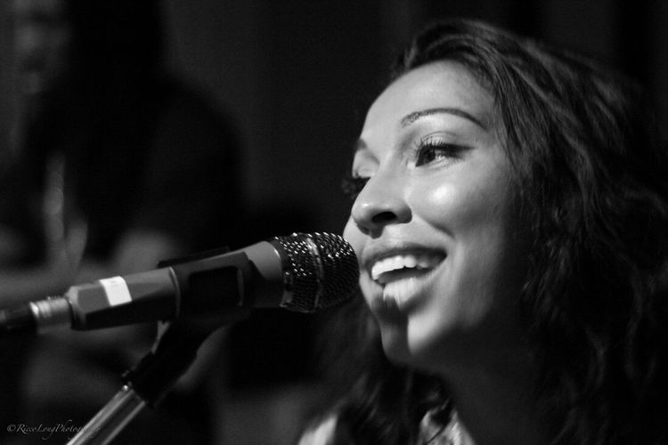 Women Who Inspire You Singer/Song Writer Studio Jam Session Melanie Fiona Mother To Be Staying True Love Your Brand