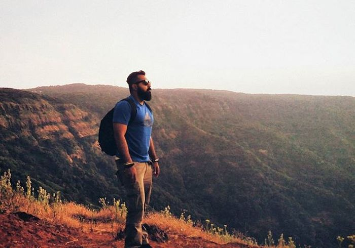 I enjoy spending a night on top of the mountains under the beautiful sky and witness golden sunrise early in the morning Nightwellspent Aftercamp Windup Tent Quechua Beardedbrownguy Beardedmen Beards Beardo Travellers Exploring Explorers Bff Roadtripping Mylife Exploringindia Incredibleindia Ahd Goa India Mytravelgram