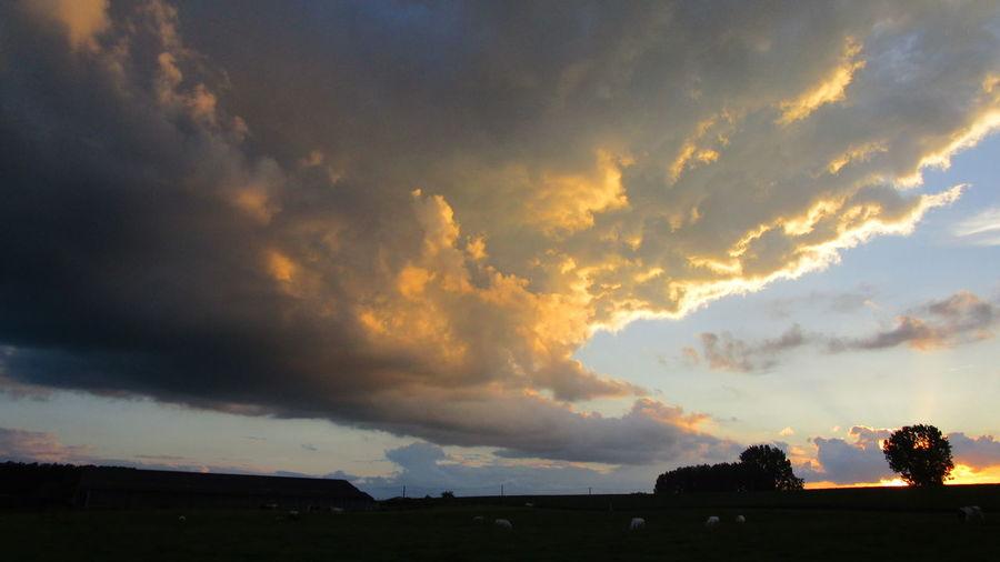 Campagne Belge Cloud Cloud - Sky Ellezelles ,Belgium Nuages D'orage