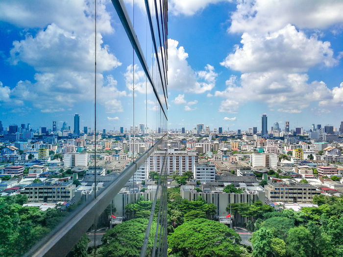 """True Tower 🏢 """"Shot on Huawei Mate 9"""" MRoZAM Huawei Mate9 Huaweiphotography Mobilephotography Mobilephotographyph TrueMove Tower Thailand City Cityscape Modern Urban Skyline Skyscraper Futuristic Business Finance And Industry Downtown District Business Panoramic Network Server"""