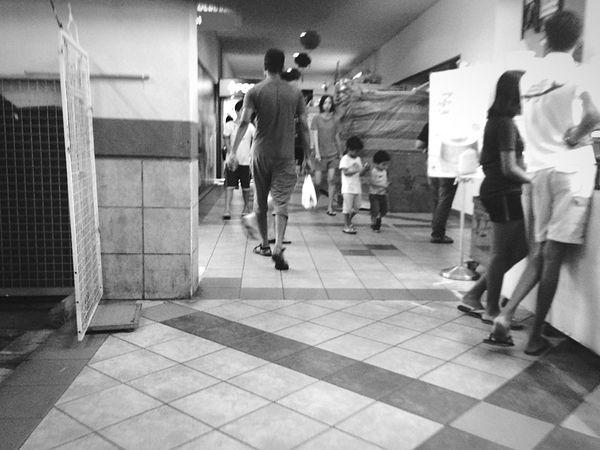 Streetphotography EyeEm Best Shots - Black + White Bw_collection Blackandwhite Monochrome Black & White Black And White Streetphoto_bw People Watching Life