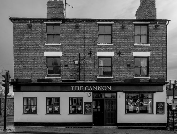 The Cannon, Cannon Street, Wellingborough, Northamptonshire Architecture Pubs Northampton Pubs Street Wellingborough Northamptonshire Urban Monochrome Black And White Monochrome Photography Town FUJIFILM X-T2 Architecture