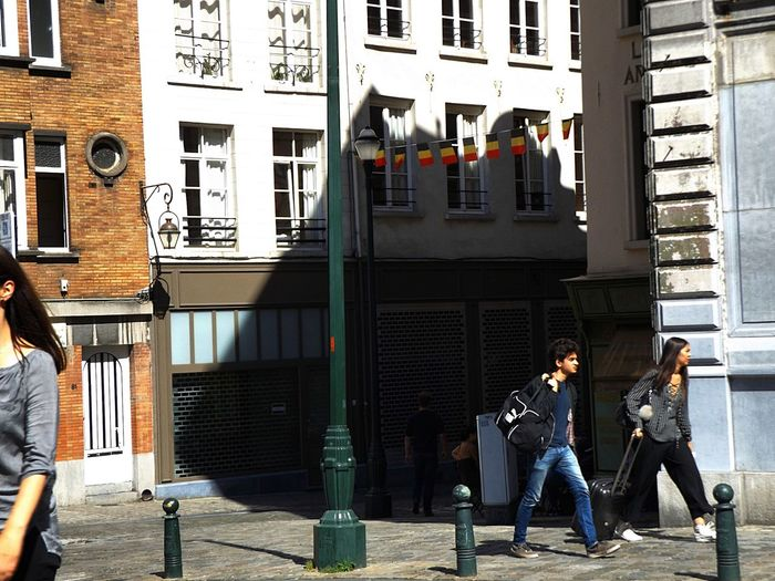 Light Shadow. Streetphotography Day Adult Adults Only Arch Building Exterior City Full Length Lifestyles Outdoors People Togetherness Two People Young Adult