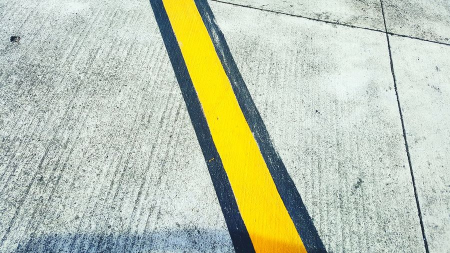 Runway stripe Yellow Stripe Lines Jetsetter Traveling Simplicity Samsung Galaxy S6 Edge Textured  Transportation Geometry Diagonal Backgrounds